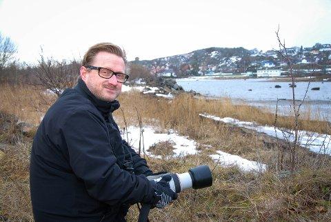 EN GYLLEN MULIGHET: Leder Anders Faugstad Mæland i Naturvernforbundet i Larvik sier at nordsiden av Risøya er en skjult skatt. – Den kan utvikles til å bli en attraksjon. Her må det for all del ikke bygges ned, sier han.