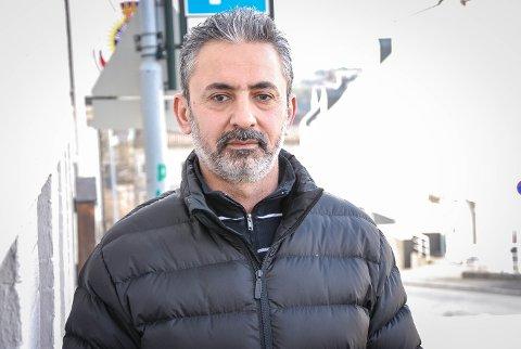 – DETTE ER IKKE NOE LIV: Alt er vanskelig for tiden, synes Hassan. Han har levd uten oppholdstillatelse i 11 år. det er ikke trygt nok til å bli tvangsreturnert, men han får heller ikke oppholdstillatelse. Uten noen rettigheter går  livet forbi.