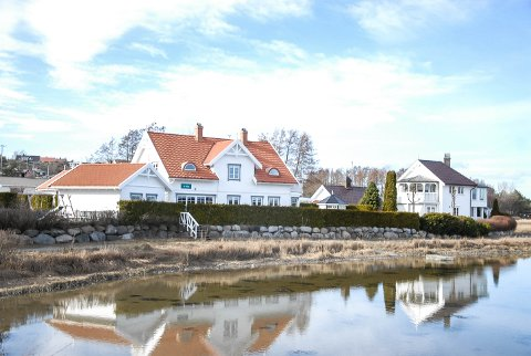 TIL SALGS: Eiendommen i Buktaveien 8 i Stavern er eid av Michael Stang Treschow, og er nå til salgs for 9,5 millioner kroner.