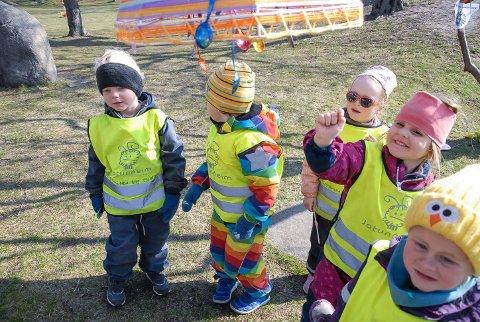 FORNØYDE: Foreldre til barna i Bakkebygrenda barnehage er mest fornøyde i Larvik. Her er Alfred Johannes Nilsson, Aksel Bakke Kvamme, Alvilde Bjørnæs Rauan, Arya Kruse og Vilma Nordsveen fra Bakkebygrenda på tur i fjor.