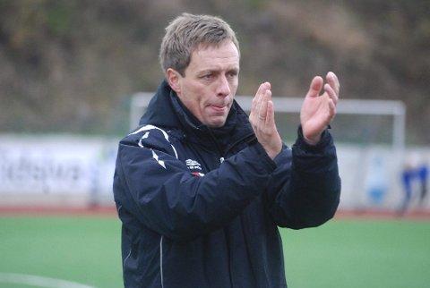 SLUTT: Løten-trener Erik Wettermark har bestemt seg for å gi seg etter årets sesong. Den tidligere Brumunddal-treneren mener tiden ikke strekker til.