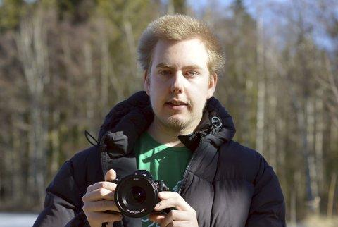 Einar Anbjørn Hansen elsker å fotogarfere. Kanskje han kan møte noen likesinnede nå, som vil være med ut på tur?