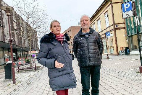PROTESTERER: – Dette vil vi ikke ha. Eldre vil bli stigmatisert, sier Berge Hansen og Gullhaug.