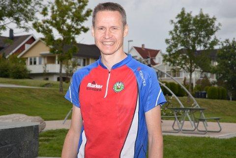 NM-KLAR: Bjørn Erik Glomsrud har nesten ikke fått konkurrert i år. Men torsdag kveld tok han likevel en strålende klar seier i klubbmesterskapet som oppvarming i NM-deltakelse om halvannen uke.