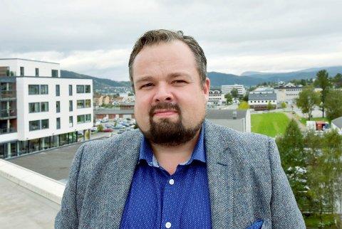 RU-direktør Ole M. Kolstad mener det skal være mulig å utvikle Helgeland til en nasjonal turistdestinasjon, selv om en får etablert vindkraftindustri i området.