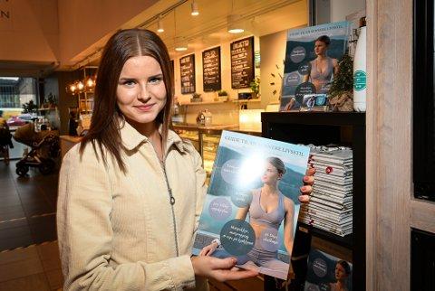 Malin Moe Neeraas med Guide til en sunnere livsstil som nå er i salg.