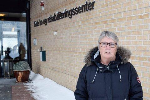 PÅ JAKT: Anne Marit H. Fuglum er tjenestleder pleie, rehabilitering og omsorg i Hole kommune. Hun leter etter på nytt bosted for sykehjemsbeboere mens bygging av ny E16 og Ringeriksbanen pågår.