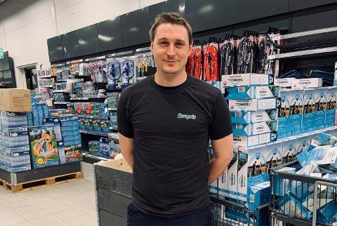 FORBEDRING: Butikksjef Ole Anders Engebretsen på Europris ser fram til å åpne en ryddigere og mer kundevennlig butikk torsdag i neste uke.