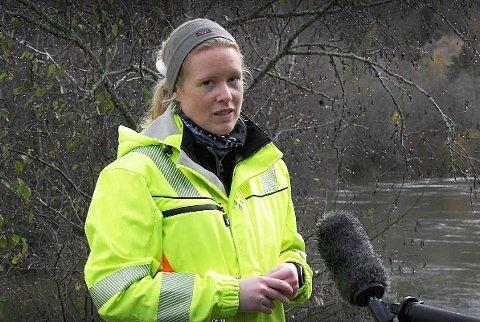 GEOLOG: Hanne C. Wilhelmsen er geolog i Ringerike kommune. Her i Hovsenga i forbindelse med raset som gikk der i høst.