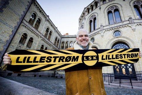 HÅPERPÅ BILLETTER: Stortingsrepresentant for SV og tidligere Amnesty-sjef Petter Eide har vært på Åråsen flere ganger denne sesongen og håper å få tak i cupfinalebilletter. FOTO: TOM GUSTAVSEN