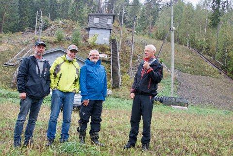 BEFARING: Fra venstre Egil Lunde, Alfred Strøm, Eivind Gjeraker (skiforbundet) og Bernt Kolsrud. Svein Ove Isaksen