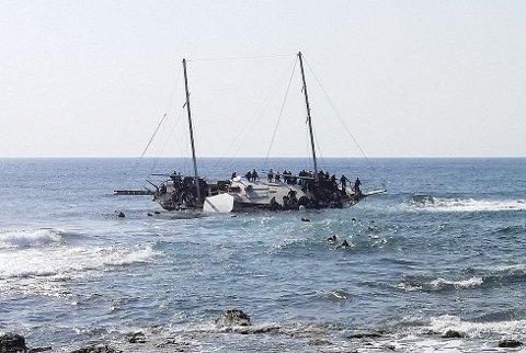 I forrige uke gikk denne båten med flyktninger på grunn utenfor Hellas. Tre døde.