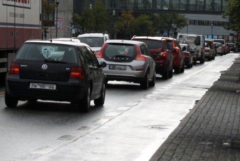 TRAFIKK: Over hundre bilister ble tatt i for høy fart i en storkontroll onsdag. (Bildet er ikke tatt i forbindelsen med kontrollen. Stedet bildet er tatt har ikke noe å si for saken).