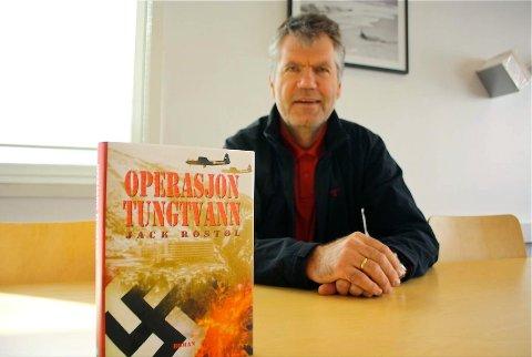 SAMLET HISTORIEN: Jack Rostøl har samlet historien om tungtvannsekspedisjonen i én og samme bok.