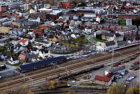 GJENNOM SARPSBORG: Den framtidige intercity traseen skal gå gjennom sentrum av alle byene. Avklaringen kom fra Samferdselsdepartementet onsdag formiddag,.