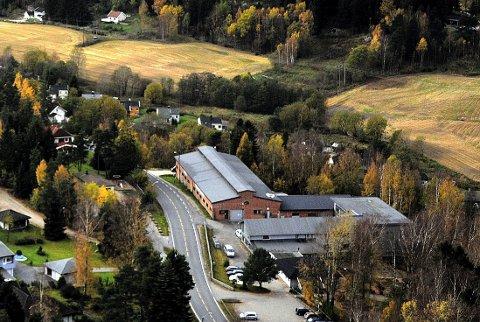 TUBUS:  Leilighetene  i Grålum terrasse blir liggende i skråningen mellom Grålumveien og Dalveien - til venstre  og nedenfor Tubus.