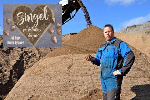Innehaver av Langebrekke Grustak Anton Langebrekke sier at mange har lagt merke til annonsen deres.