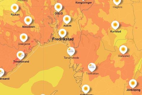 Utevær: Dette er værvarselet for Fredrikstad og omegn lørdag ved 15-tiden. Sol fra skyfri himmel og kanskje opp mot 20 grader. Jo mørkere farge, jo varmere blir det. Den oransje fargen indikerer mellom 15 og 20 grader.