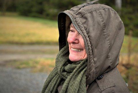 Inger-Lise Østmoe og mannen er storfornøyd med å endelig være fastboende innebygger, og ikke bare en hyttebeboer i Skiptvet.