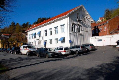 SOLGT: Selskapet Telemark eigedom AS har fått konsesjon på kjøpet av politistasjonen i Kragerø.