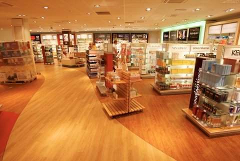 Anthon Berg-produkter trekkes fra blant annet taxfreebutikken på Flesland. Foto: EIRIK HAGESÆTER