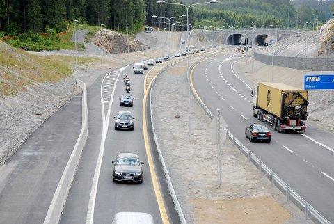 E18: Det skal bygges nye traseer på E18, og diskusjon om hvordan dette konkret bør gjøres er fortsatt i full gang.