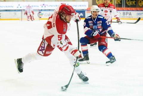 Stjernens Jonas Medby i aksjon mot Vålerenga i slutten av oktober. Det endte med 2-6-tap for østfoldingene. I kveld mener vi de skal vinne mot nyopprykkede Narvik. Foto: Berit Roald / NTB scanpix