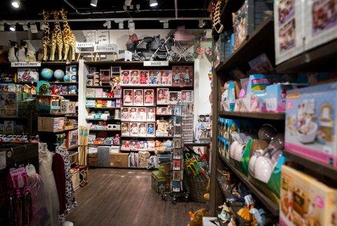 PUNGER UT: Bare i desember bruker hver nordmann 11.100 kroner på julemat og julegaver. Foto: Berit Roald / NTB scanpix Foto: Berit Roald
