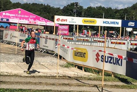 VANT: Synne Sandven fra Notodden O-lag vant 14-årsklassen under O-ringen i Sverige – verdens største orienteringskonkurranse. Etter fem dagsetapper kunne NOL-løperen hoppe opp på det øverste trinnet på seierspallen – vel vitende om at 200 konkurrenter fra flere land var slått. Noen dager senere løp hun inn til seier på både langdistansen og sprinten under Hovedløpet på Lillehammer. Sandven er også en svært så lovende skiskytter – og Notodden-jenta er dermed i landstoppen i to idretter.