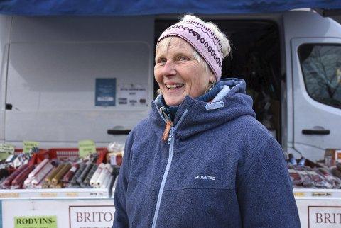 Torgkjerring: Berit Jensen har vært et fast innslag på torget i Kristiansund i snart 20 år.