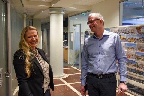 TA KONTAKT: Det beste stedet å starte hvis man vil komme igang med pensjonssparing, er å kontakte banken, mener Helen Teilgård og Jan Arild Grødahl i Sparebank 1 Nordvest.