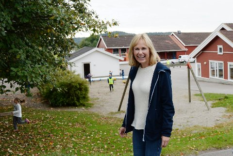 FIKK SINE FØRSTE LEKSER HER: I september var barneombud Anne Lindboe tilbake på Solerød skole der hun selv gikk som barn. Foto: Anne Charlotte Schjøll