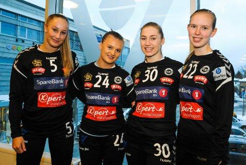 HUMØRFYLT: - Alltid gøy å komme på trening under Tonje Larsen, sier Stine Norén (fra venstre), Margareth Stiansen, Hanna Nordby og Helle Kierulf.