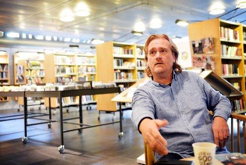 MELDER SEG UT: Litteraturukesjef Steinar Engeland er opptatt av å bruke midlene der de gjør mest nytte for seg.