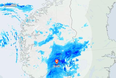 REGN MED REGN: Slik ser nedbørskartet over Vestfold ut onsdag ettermiddag.