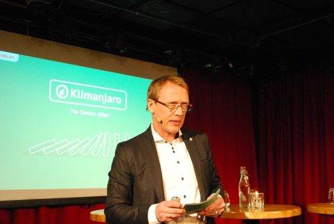 GÅR FORAN I KLIMAKAMPEN: Konsernsjef Rolf Barmen i Fjordkraft holdt foredrag om Fjordkrafts krav om klimanøytrale leverandører under åpningen av Arbeidslivets klimauke.