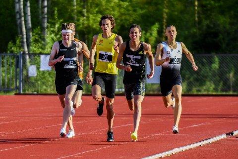 POSITIVT: Moa Bollerød (nummer 31) ble nummer fem på 800 meter menn.