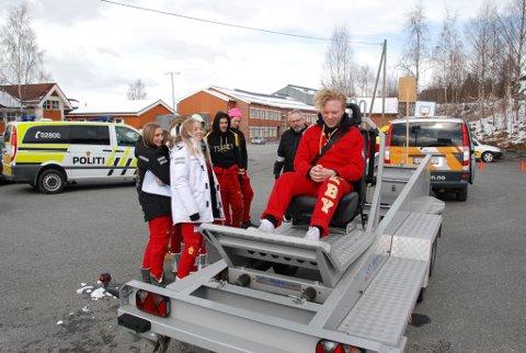 Kollisjonsbenk: Harald Melby jr. får seg eit kraftig rykk, sjølv om farten tilsvarar berre 10 km/t.