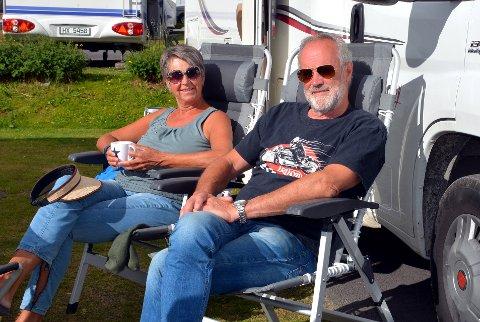 Bobil: Randi Strand Myrvang og Kai Myrvang skaffet seg bobil for to år siden. De har nå vært på bobilferie i Norge i 8 dager.