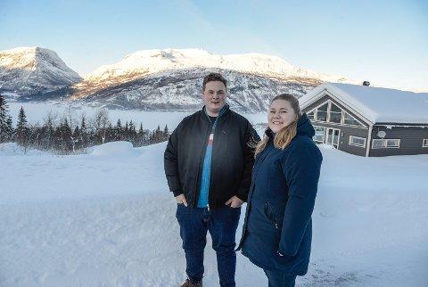 NYE I VANG: Nina Melås frå Kongsberg og Ola Martin Grøv frå Årdal fann draumehuset i Vang og både flytta og ordna seg arbeid hausten 2020.