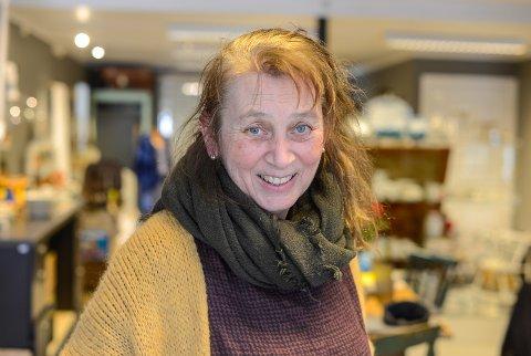 NY BUTIKK: Iren Vengel Remmen startar opp bruktbutikken Mormors skatter i Ryfoss sentrum.