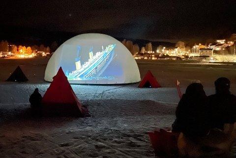 Da Titanic sank så det ut som skipet forsvant ned på bunnen av Strandefjorden. Foto: Renate Remme Øverseth.