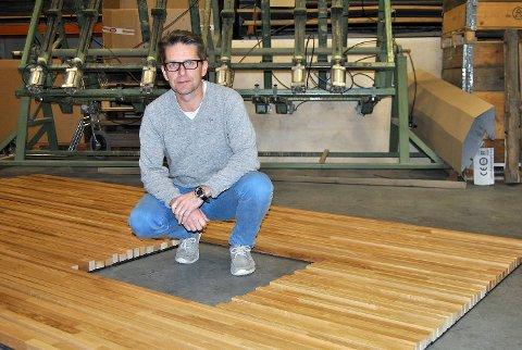 Birger Aga er eier og daglig leder i Faginnredning, hjørnesteinsbedriften i Samnanger. Bedriften har 23 ansatte fordelt på 21 årsverk. FOTO: SVEIN TORE HAVRE