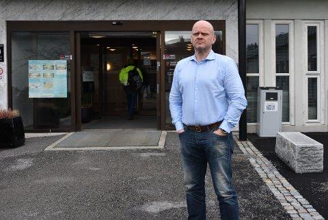 IKKE OVERRASKET: Rådmann i Vestby kommune, Sjur Authen, er ikke overrasket over at det nå har blitt flere tilfeller av koronasmitte i nabokommunene.