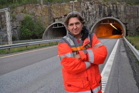 Lars Kalleberg i Statens vegvesen. Her utenfor Follotunnelen i Vestby.