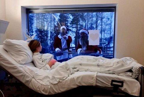 SPRER GLEDE: Til tross for strenge Covid 19-restriksjoner ønsket gutta i Skjeggmenn Norge å gjøre noe fint for alle barna som må tilbringe julen på sykehuset. Foto: Ahus/Privat