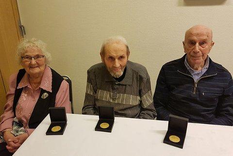 HEIDRA: Ella Bjørneklett, Alfred Bjørneklett og Ingolf Matre vart alle nyleg heidra for sin innsats mot okkupasjonsmakta under slutten av andre verdskrig.