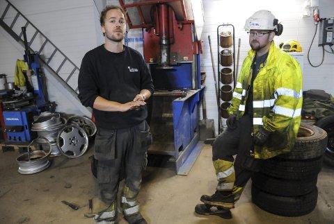 Viktig jobb: Ved å samle inn og gjenvinne kasserte biler, hindrer vi at farlige stoffer kommer på avveie, sier Ken-Thomas Olsen og Mikael Robertsen.