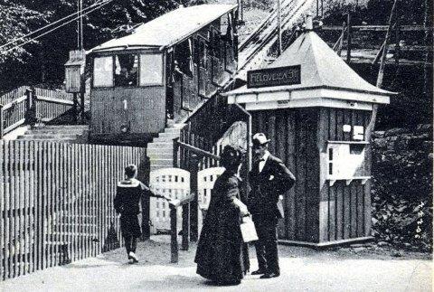 Det var lite tights, teknisk treningstøy, joggesko og pulsbelter å se her på «Fjeldveien stasjon» og på Fløyen i gode, gamle dager.
