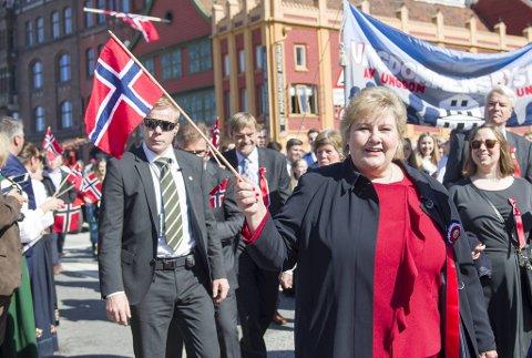 Erna Solberg må jobbe i hovedstaden store deler av nasjonaldagen i år.